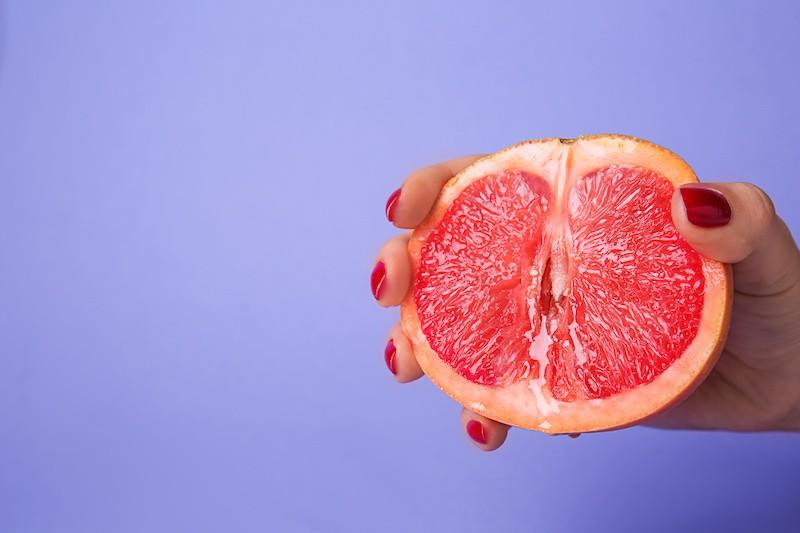 Grapefruit as a vulva shape