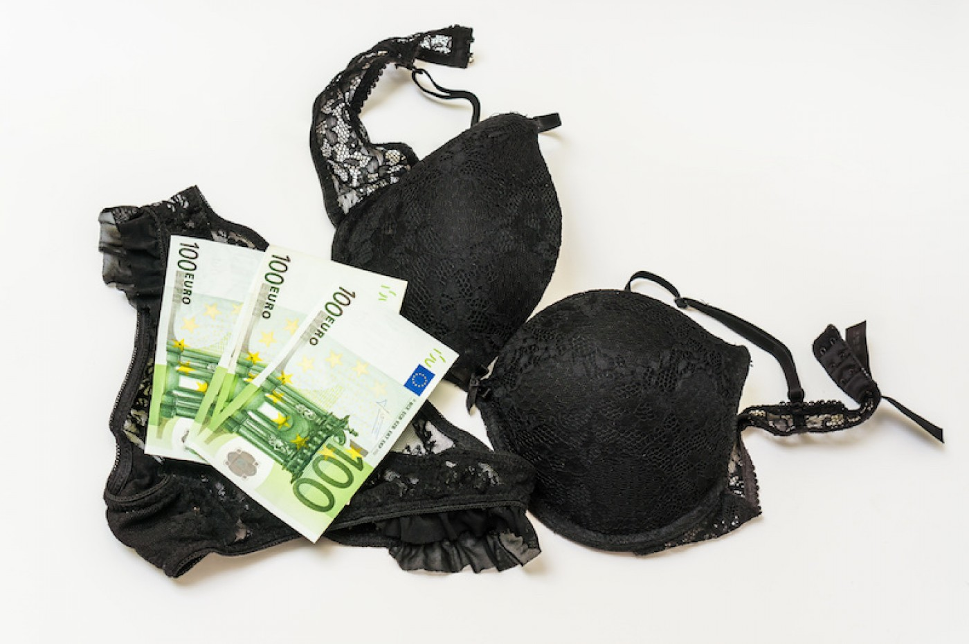 Make money selling your wet panties